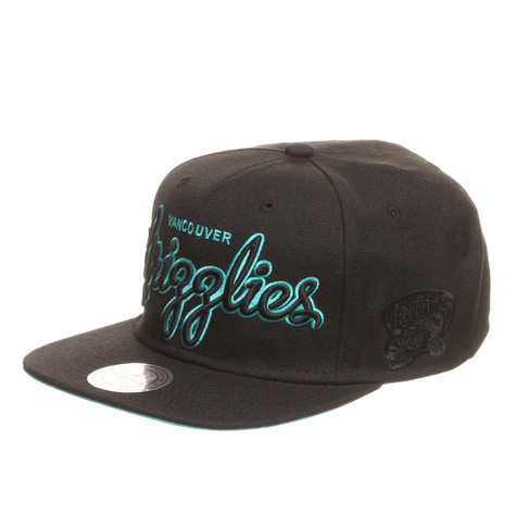 Mitchell & Ness - Vancouver Grizzlies NBA Blacked Out Script Snapback Cap