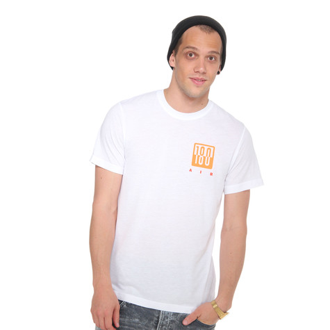 Nike - RU Air Max 180 Logo T-Shirt