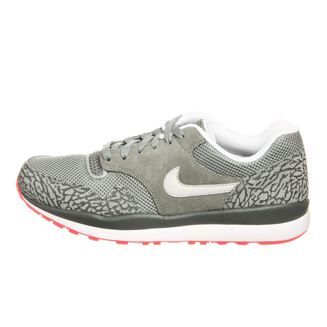 Nike - Air Safari