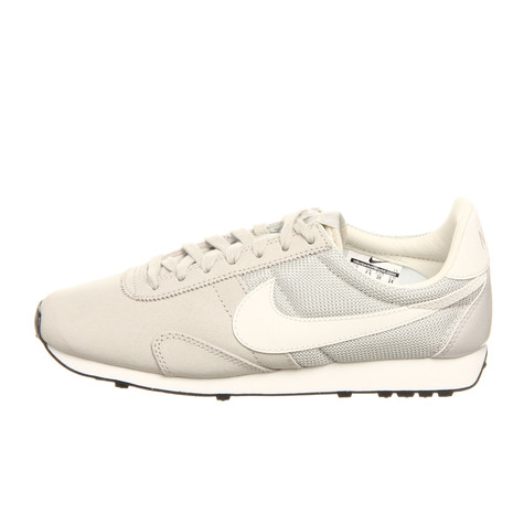 Nike - WMNS Pre Montreal Racer VNTG