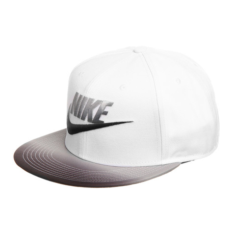 Nike - Seasonal Futura True Strapback Cap