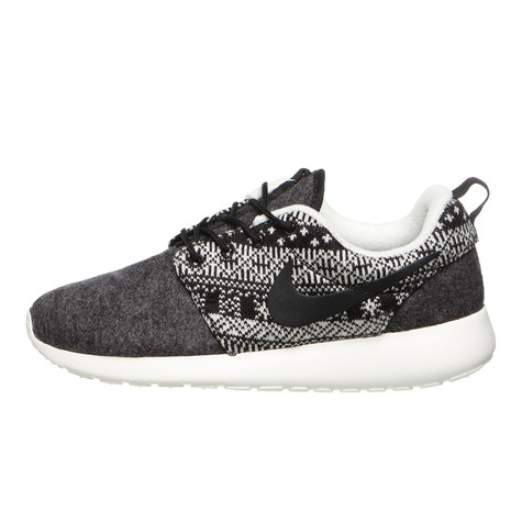 official photos b1a15 0a42a Nike - WMNS Roshe One Winter