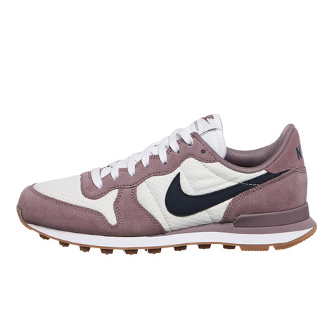 cheap for discount eb638 ee62d Nike. WMNS Internationalist ...