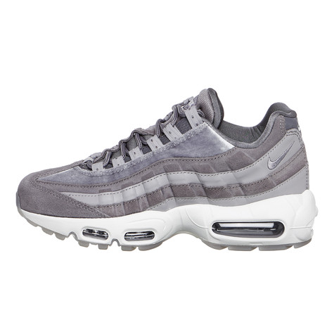 Nike - WMNS Air Max 95 Lux (Gunsmoke   Gunsmoke   Atmosphere Grey)  53bf66953