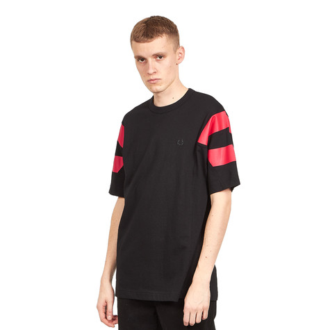 Fred Perry - Printed Sleeve Panel T-Shirt