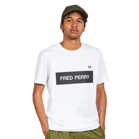 Fred Perry - Graphic Print T-Shirt