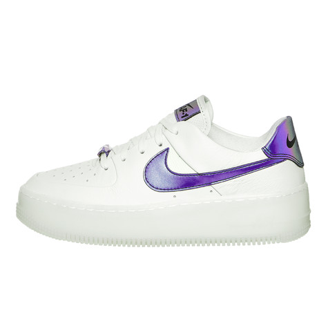 Nike - WMNS Air Force 1 Sage Low LX